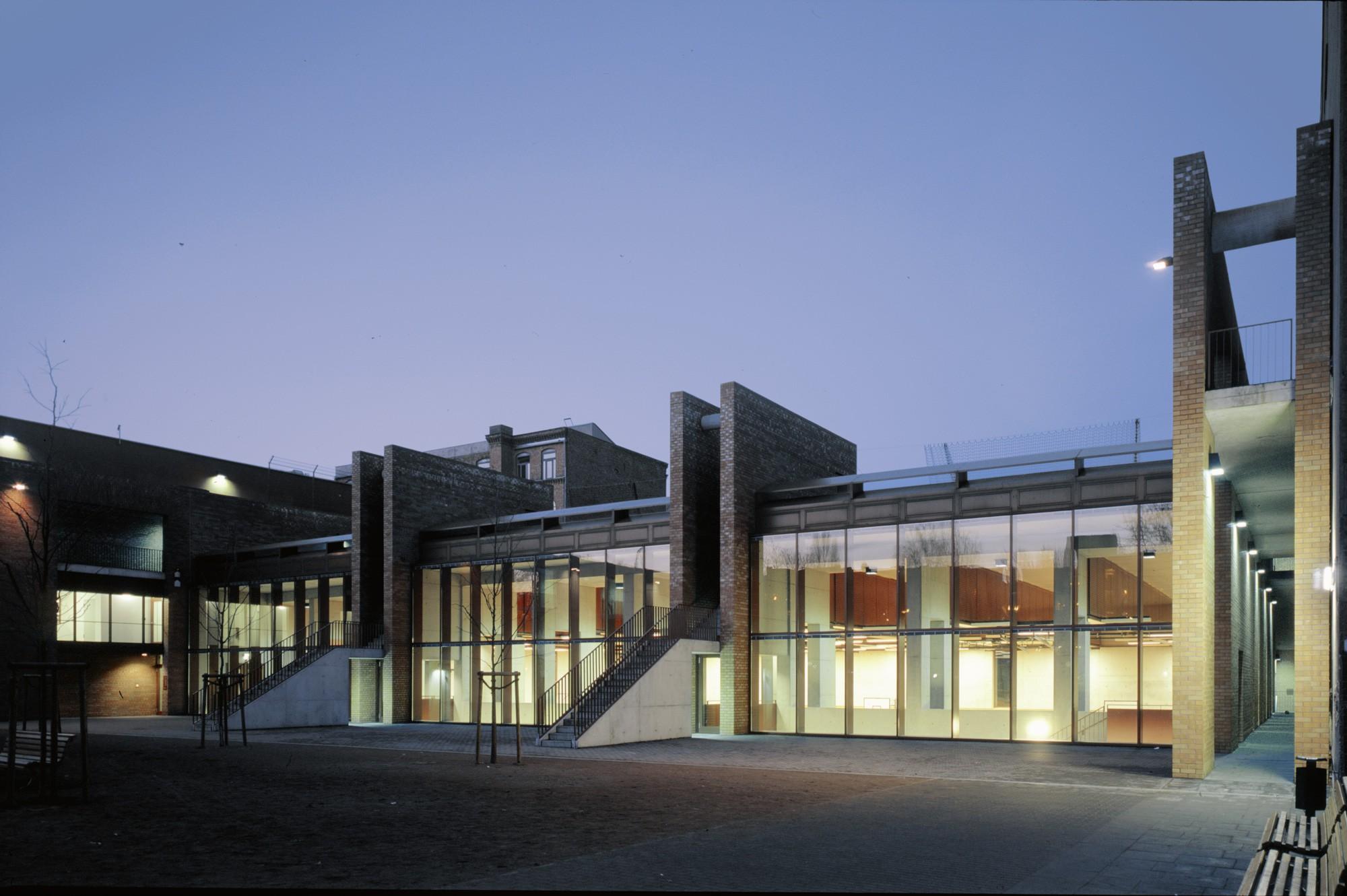 Schul- und Sportanlage Wrangelstraße